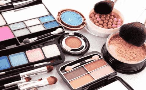 波兰化妆品制造商在意大利展示商品